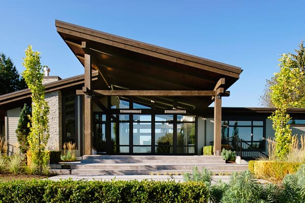 featured posts image for Sprawling rancher style residence in Vancouver