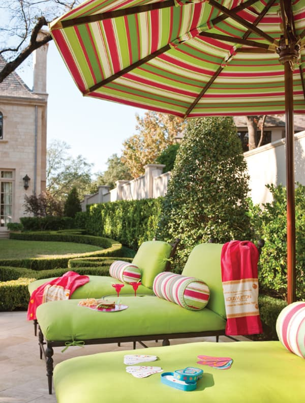 Colorful Outdoor Living Spaces-07-1 Kindesign