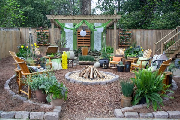 Colorful Outdoor Living Spaces-15-1 Kindesign