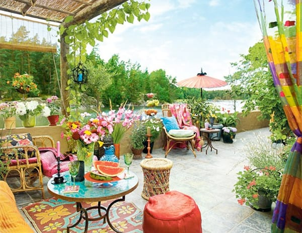 Colorful Outdoor Living Spaces-58-1 Kindesign