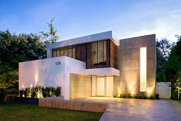 featured posts image for Minimalist modern home showcasing art in Santa Monica