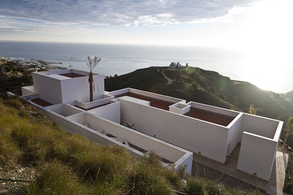 featured posts image for AA House on a platform overlooking the Mediterranean Sea