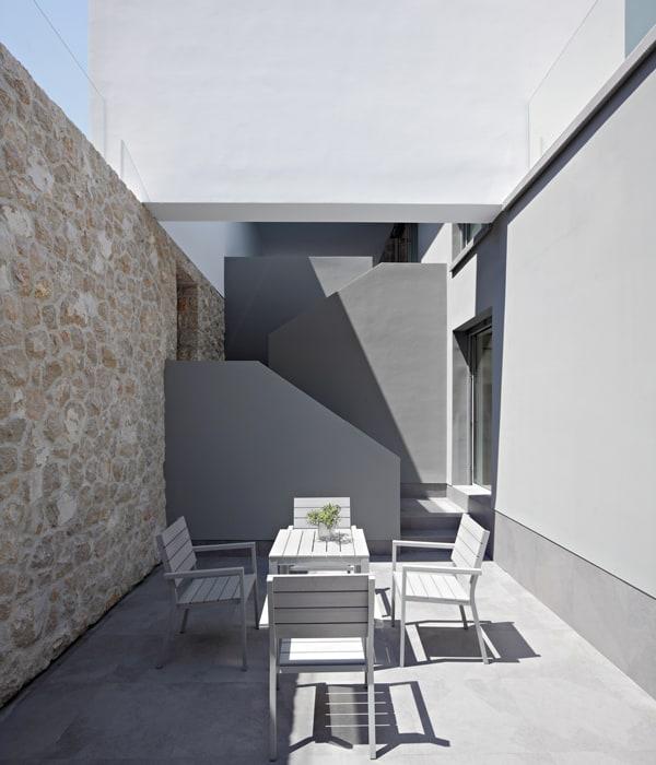 House on Krk Island-DVA Arhitekta-04-1 Kindesign