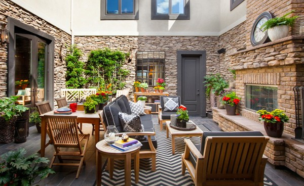 Interior Courtyard Garden Ideas-15-1 Kindesign