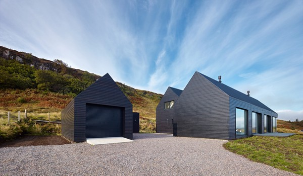 featured posts image for Wooden house on the cliffs of the Isle of Skye, Scotland
