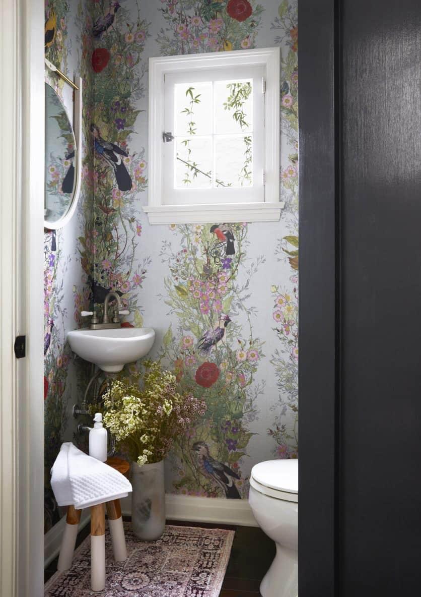 small-powder-bath-idea-with-wallpaper