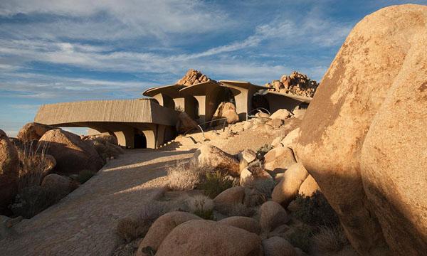The Desert House-Kendrick Bangs Kellogg-13-1 Kindesign