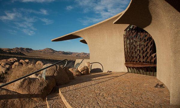 The Desert House-Kendrick Bangs Kellogg-15-1 Kindesign