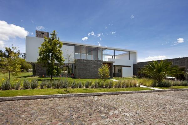 Casa 2V-Diez Muller Arquitectos-01-1 Kindesign