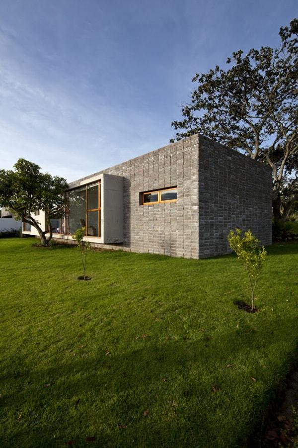 Casa 2V-Diez Muller Arquitectos-03-1 Kindesign