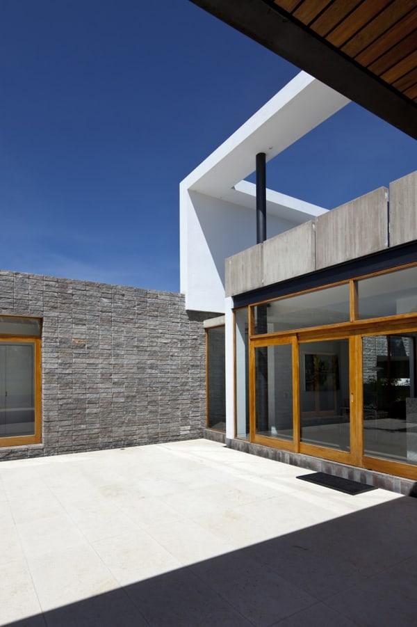 Casa 2V-Diez Muller Arquitectos-06-1 Kindesign