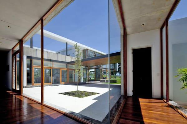 Casa 2V-Diez Muller Arquitectos-08-1 Kindesign
