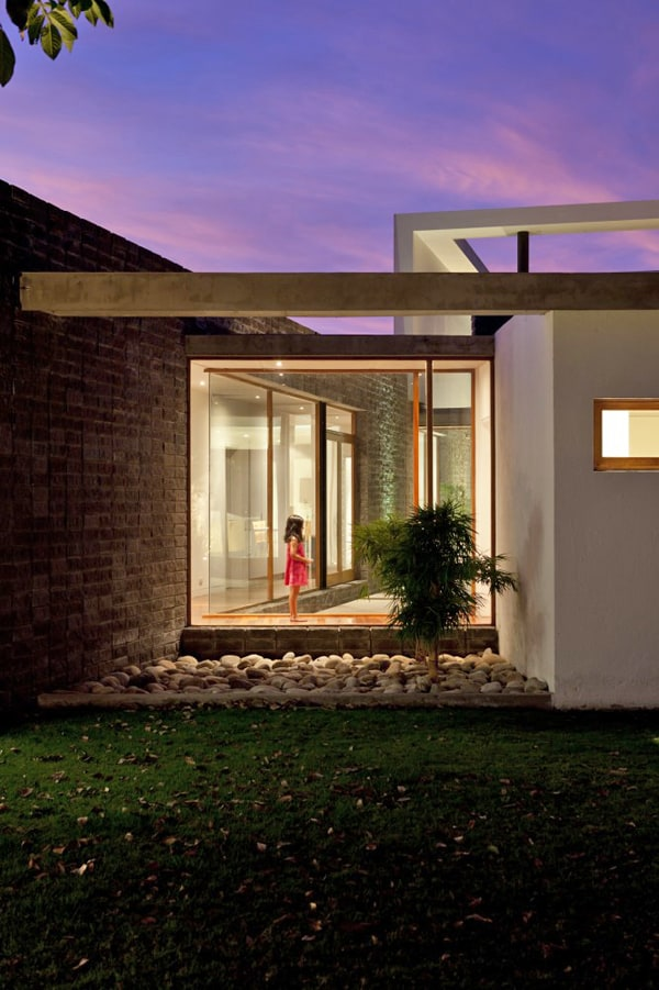 Casa 2V-Diez Muller Arquitectos-18-1 Kindesign