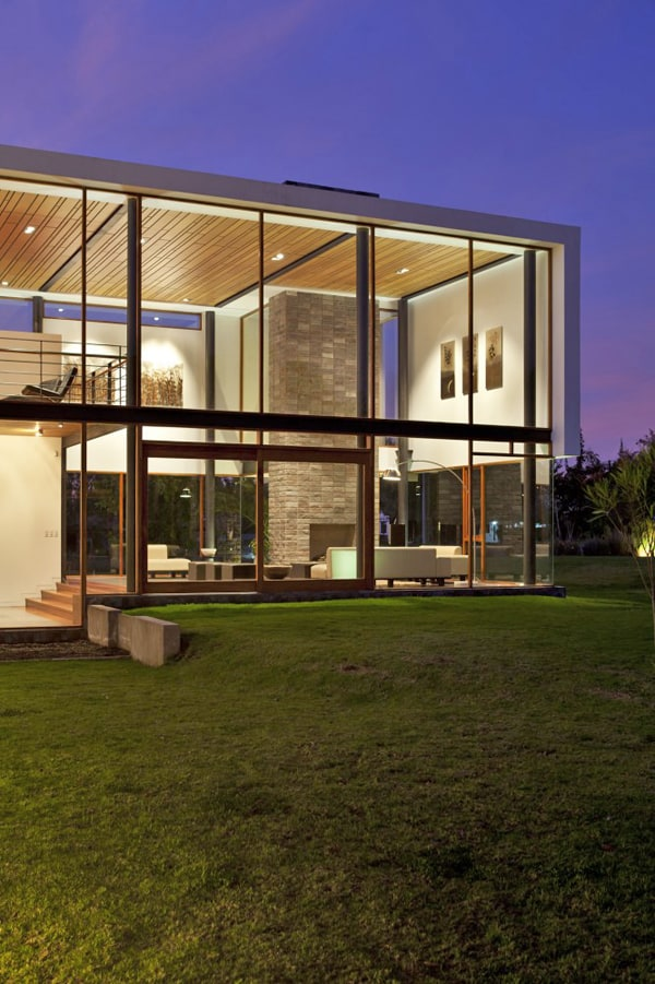 featured posts image for Casa 2V in Ecuador displays unique volumetric structure