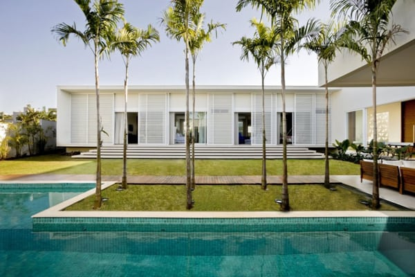 featured posts image for Casa do Patio encouraging indoor/outdoor living in Brazil