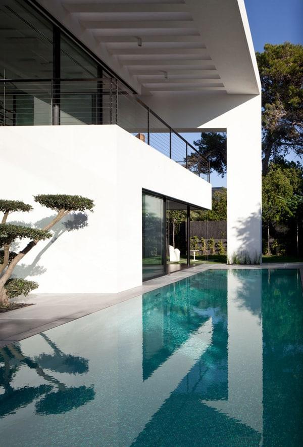 Contemporary Bauhaus on the Carmel-Pitsou Kedem Architects-03-1 Kindesign