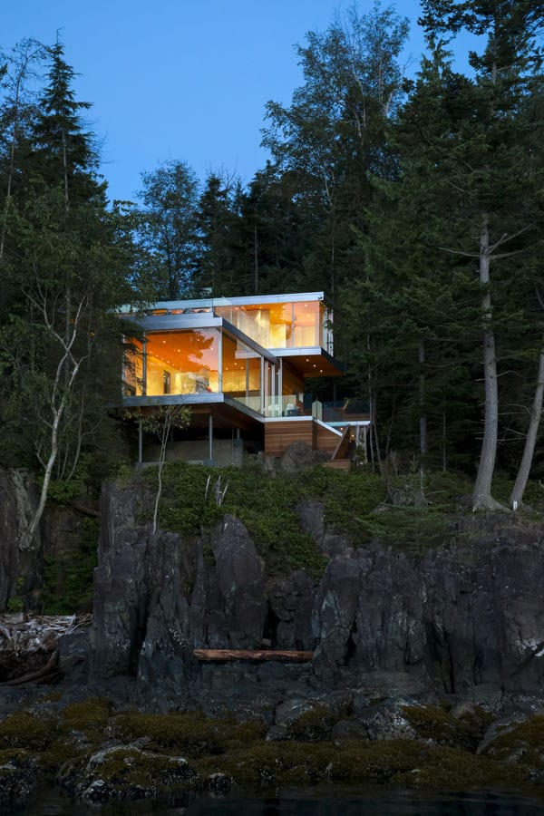 featured posts image for Weekend retreat in British Columbia: Gambier Island House