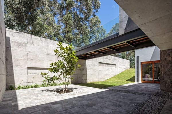 Los Chillos House-Diez Muller Arquitectos-04-1 Kindesign