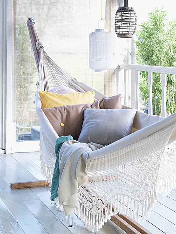 Outdoor Summer Lounging Spaces-10-1 Kindesign