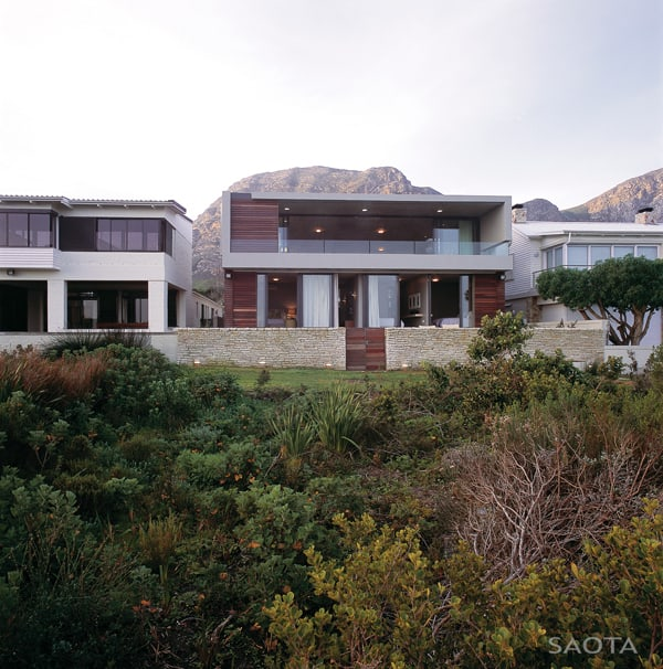 breathtaking modern beach house in south africa by saota