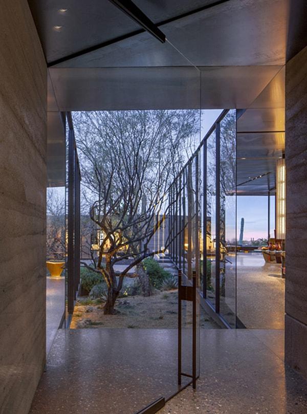 Desert Courtyard House-Wendell Burnette Architects-03-1 Kindesign