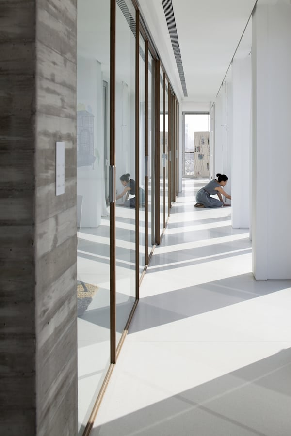 Open and Transparent to The City-Pitsou Kedem Architects-17-1 Kindesign