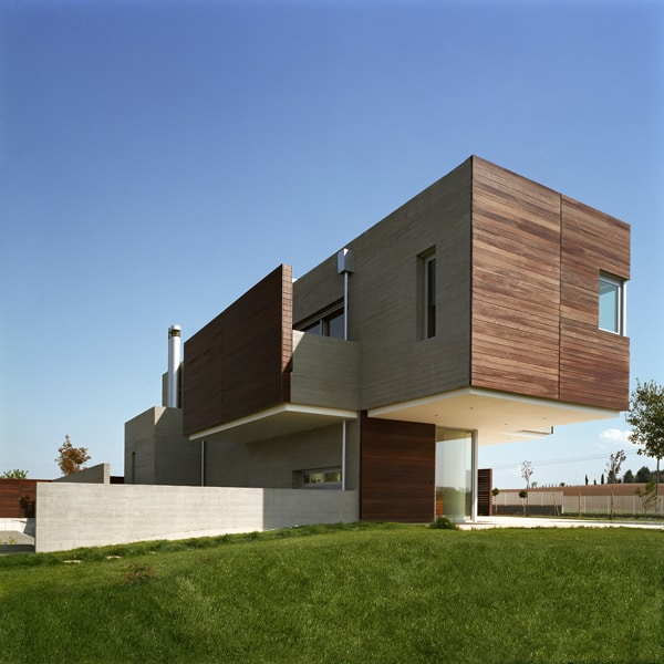 Residence in Larissa-Potiropoulos DL Architects-01-1 Kindesign