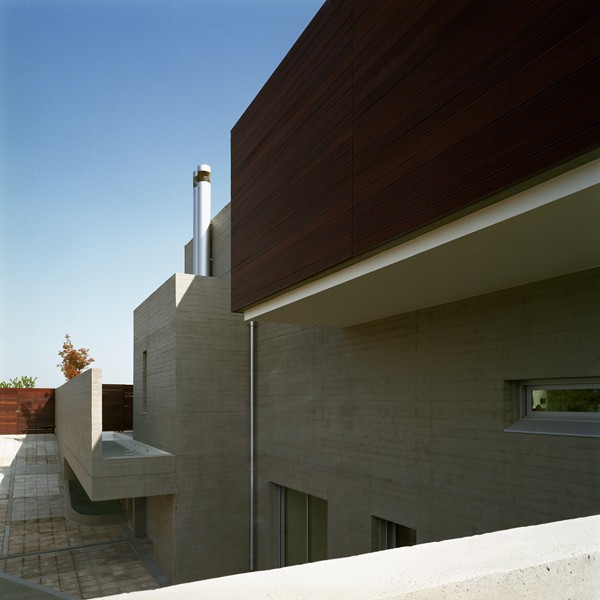 Residence in Larissa-Potiropoulos DL Architects-15-1 Kindesign