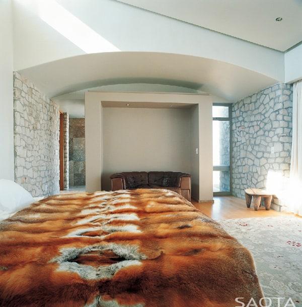 SPRECHER BED 01