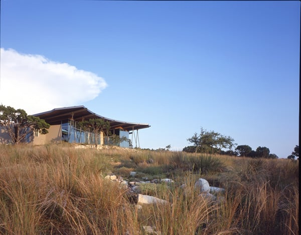 Trahan Ranch-Patrick Tighe Architecture-02-1 Kindesign