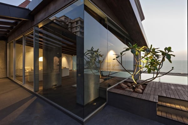 featured posts image for Contemporary Villa in the Sky Overlooking the Arabian Sea