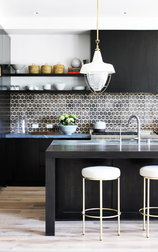 Black and White Kitchens-21-1 Kindesign