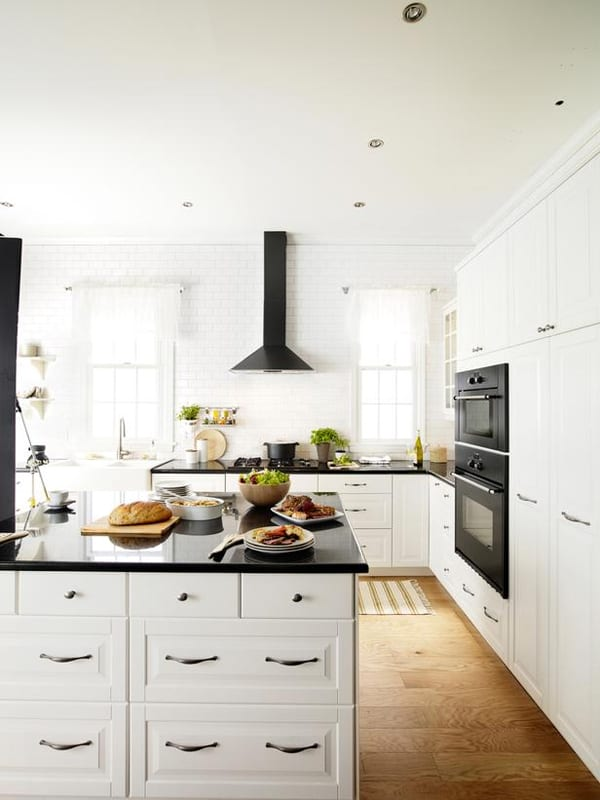 Black and White Kitchens-36-1 Kindesign