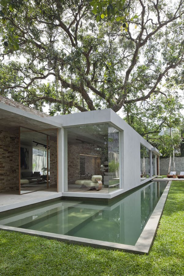 featured posts image for Stylish house design connects to nature in Rio de Janeiro