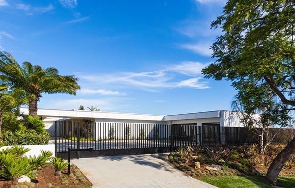 Chalette Drive Residence-Gordon Gibson Construction-02-1 Kindesign