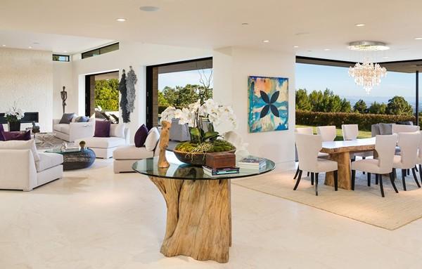 Modern Elegance And Clean Lines Define Chalette Drive Estate