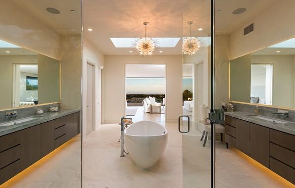 Chalette Drive Residence-Gordon Gibson Construction-23-1 Kindesign