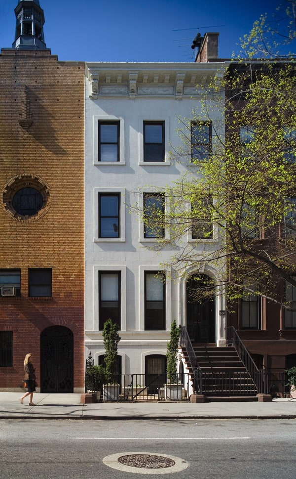 New york townhouse renovation for open elegant space for Townhouse for rent nyc