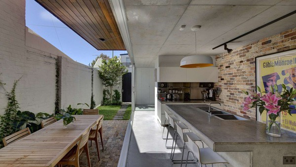 Long Courtyard House-Scale Architecture-02-1 Kindesign
