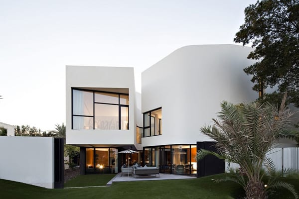 featured posts image for Voluminous two story modern pad in Kuwait: MOP House