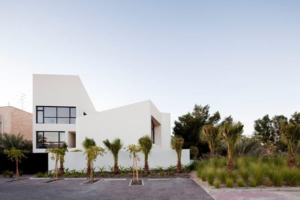 MOP House-AGI Architects-02-1 Kindesign