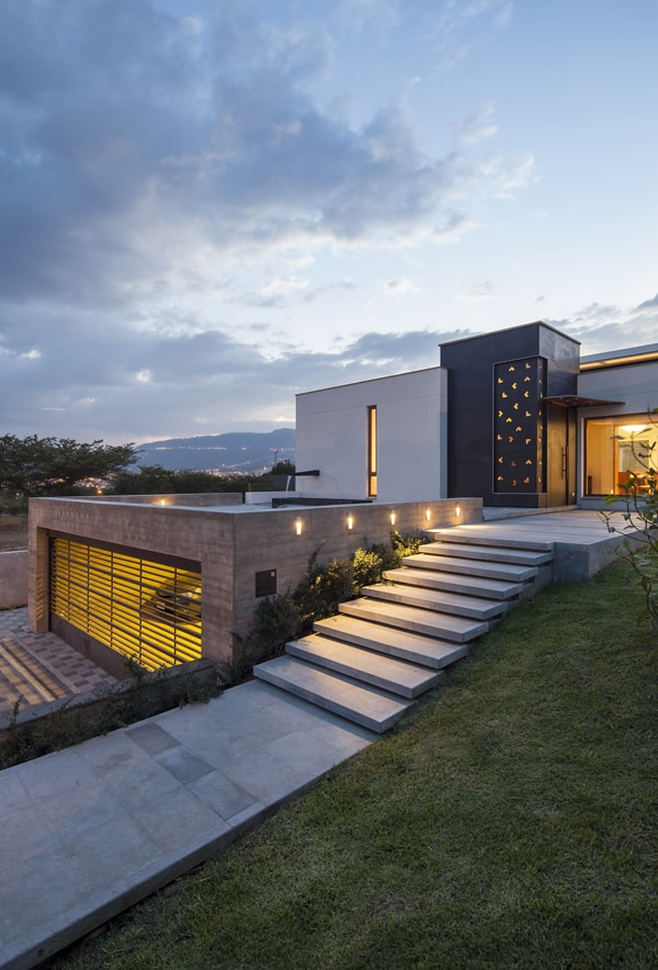 featured posts image for Striking modern dwelling in Ecuador: NR2 House