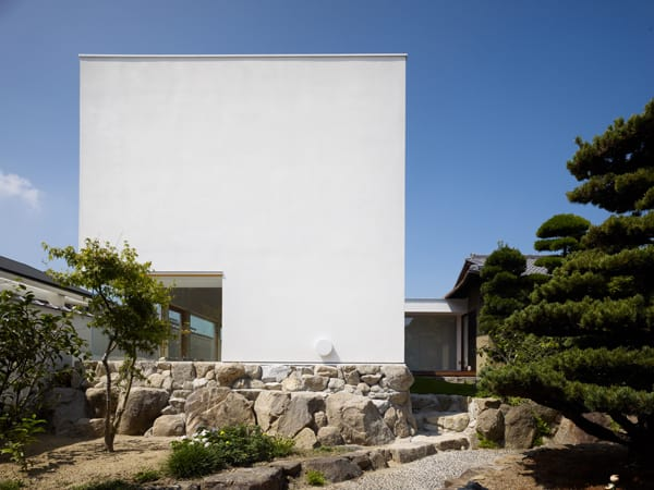 Garden Tree House-Hironaka Ogawa Associates-12-1 Kindesign