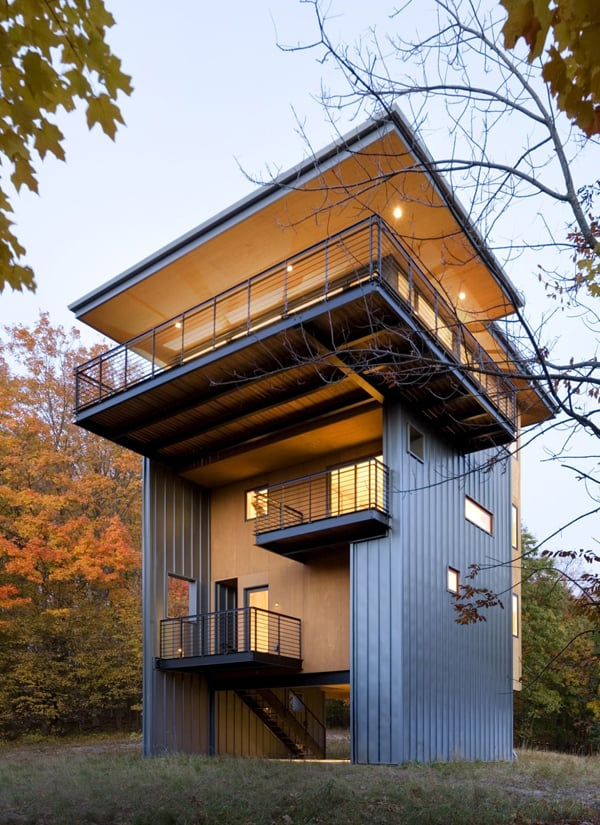 featured posts image for Sustainable retreat on a wooded hilltop in Michigan: Glen Lake Tower