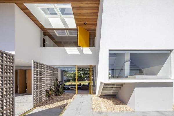 Linhares Dias House-DOMO Arquitetos-02-1 Kindesign