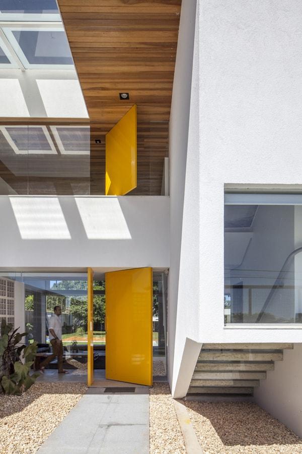 Linhares Dias House-DOMO Arquitetos-04-1 Kindesign