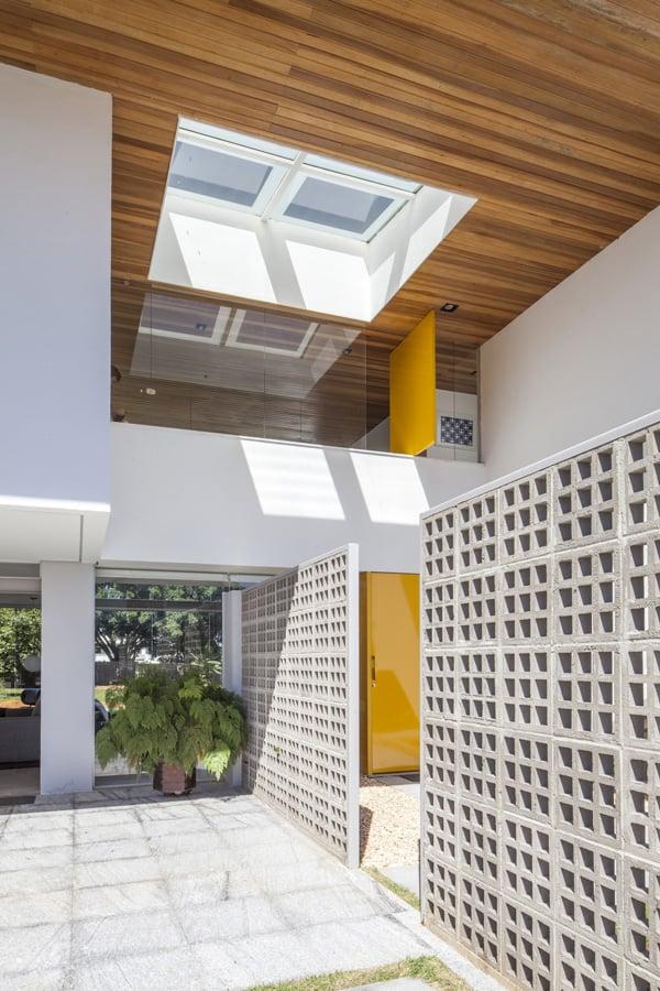 Linhares Dias House-DOMO Arquitetos-05-1 Kindesign