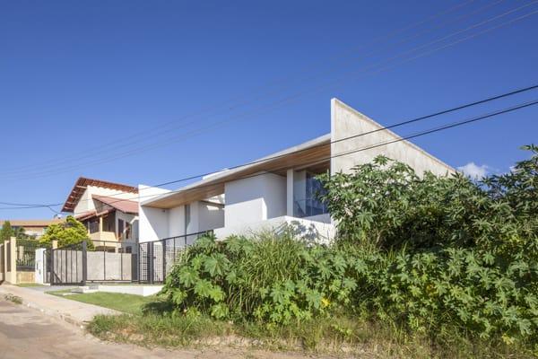 Linhares Dias House-DOMO Arquitetos-24-1 Kindesign