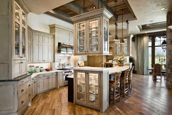 Rustic Kitchens in Mountain Homes-14-1 Kindesign