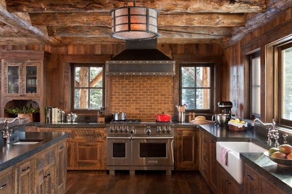 Rustic Kitchens in Mountain Homes-37-1 Kindesign